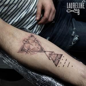 Tatouages Graphiques Aquarelle Laureline B Tattoo 95 Tatoueuse